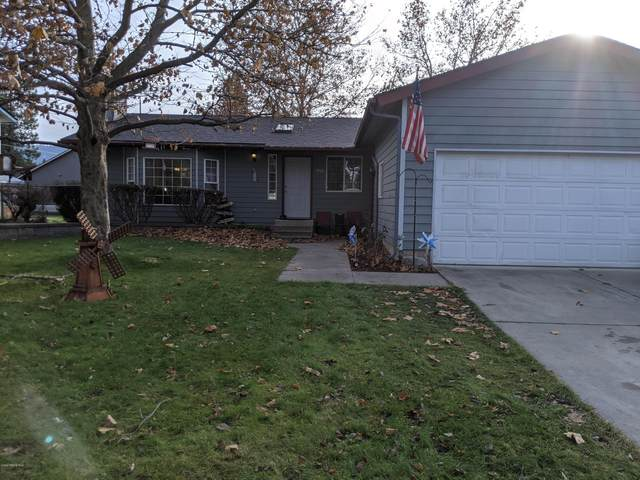 1910 E Plaza Dr, Post Falls, ID 83854 (#20-10992) :: Kerry Green Real Estate