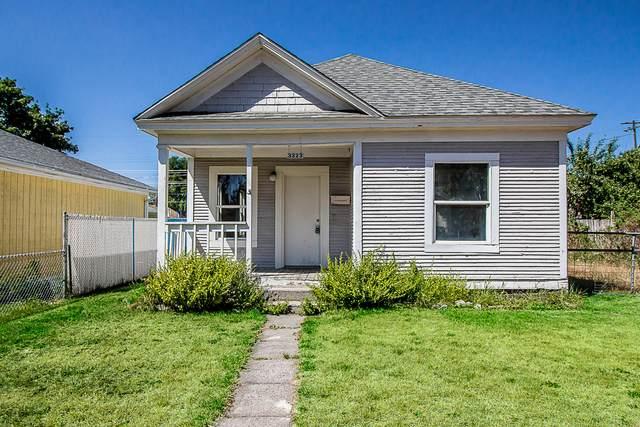 3323 N Lee St, Spokane, WA 99207 (#20-7716) :: Coeur d'Alene Area Homes For Sale