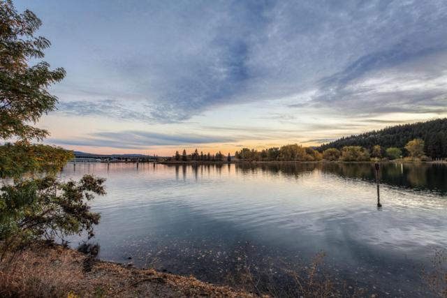 1238 W Bellerive Ln, Coeur d'Alene, ID 83814 (#17-12271) :: Prime Real Estate Group
