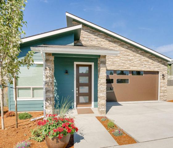 2721 N Catalina Way, Coeur d'Alene, ID 83814 (#18-7400) :: The Spokane Home Guy Group