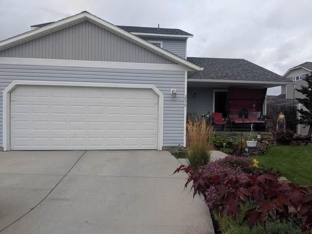 2070 E Decaro Loop, Post Falls, ID 83854 (#19-10920) :: Kerry Green Real Estate