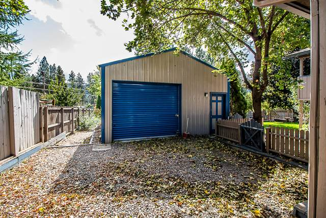 1906 E Meadow Ln, Post Falls, ID 83854 (#20-9667) :: Mall Realty Group