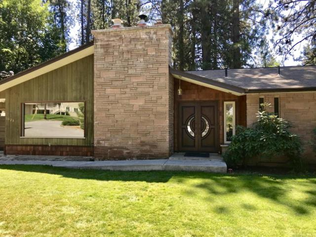 1023 N Crestline Dr, Coeur d'Alene, ID 83814 (#18-5620) :: Prime Real Estate Group