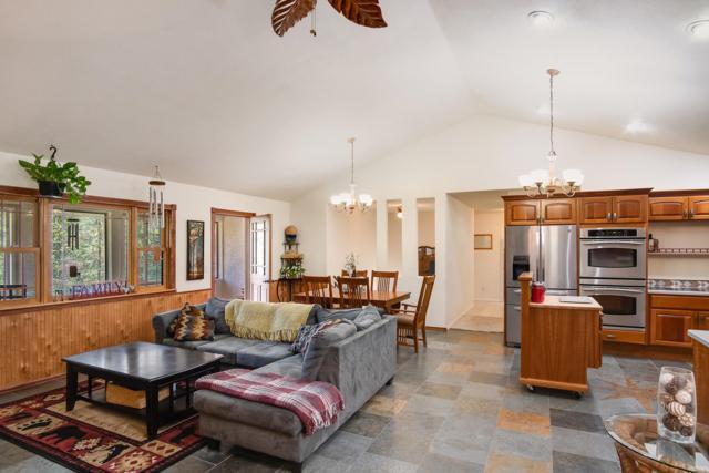 215 Fairway View Dr., Sandpoint, ID 83864 (#19-4689) :: Northwest Professional Real Estate