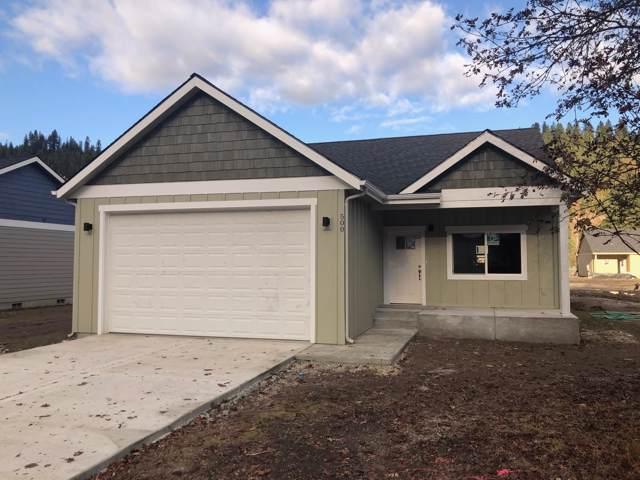 500 E Chestnut Ave, Osburn, ID 83849 (#19-8508) :: Kerry Green Real Estate