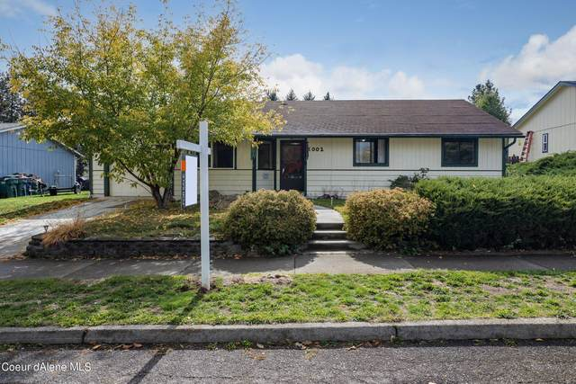 1002 E Woolsey Dr, Coeur d'Alene, ID 83814 (#21-9905) :: Real Estate Done Right