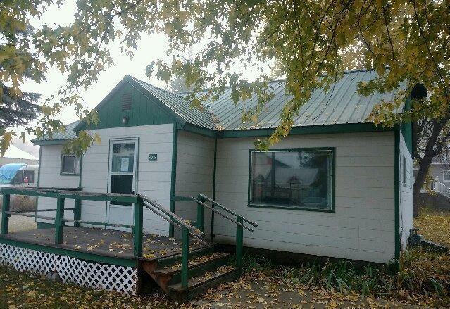 805 B St, Pinehurst, ID 83850 (#17-11767) :: Chad Salsbury Group