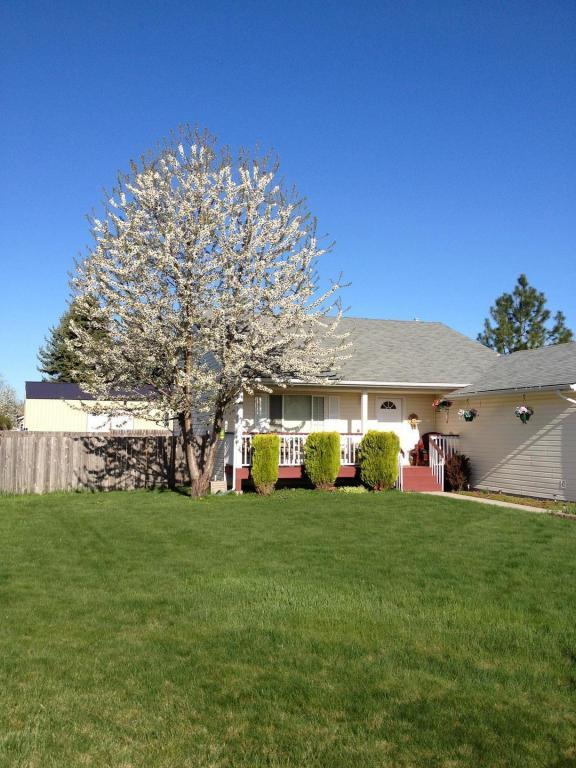 9361 N Ash St, Hayden, ID 83835 (#17-9231) :: Prime Real Estate Group
