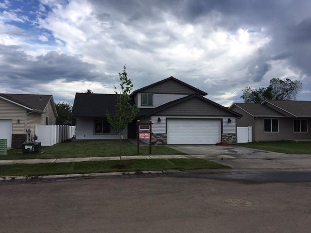 1324 E Yellowstone Ave, Post Falls, ID 83854 (#18-6497) :: Team Brown Realty