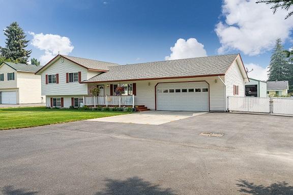 9270 N Maple St, Hayden, ID 83835 (#18-9507) :: Team Brown Realty