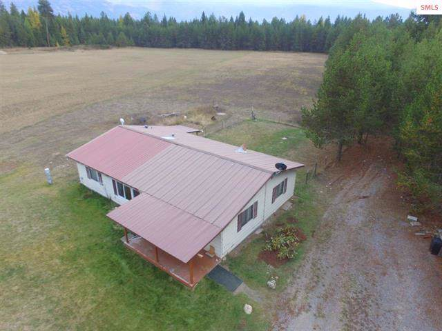 257 Breezee Acres Rd, Bonners Ferry, ID 83805 (#19-11235) :: Team Brown Realty