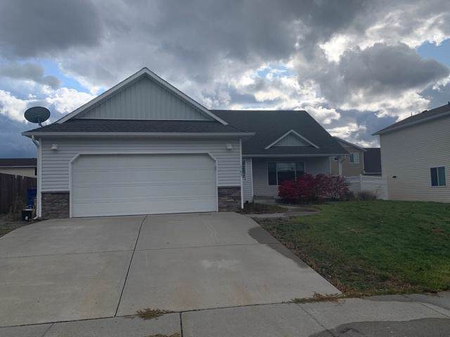1942 E Decaro Loop, Post Falls, ID 83854 (#19-11246) :: Northwest Professional Real Estate