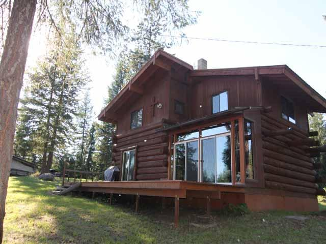 6876 Eastriver Road, Priest River, ID 83856 (#19-1366) :: Northwest Professional Real Estate