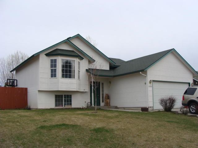 3080 N Stagecoach Dr, Post Falls, ID 83854 (#19-1409) :: Groves Realty Group