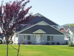 1257 N Forsythia Cir, Post Falls, ID 83854 (#19-8105) :: Northwest Professional Real Estate