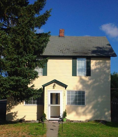 1142 N 5TH St, Coeur d'Alene, ID 83814 (#19-8997) :: Kerry Green Real Estate