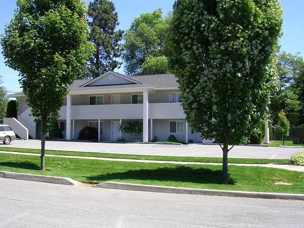 501 E Mullan Ave, Post Falls, ID 83854 (#20-388) :: Kerry Green Real Estate