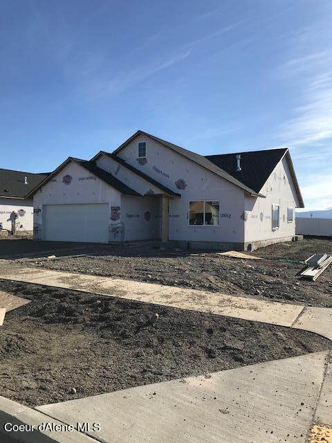 12264 N Cavanaugh Dr, Rathdrum, ID 83858 (#21-3143) :: Mall Realty Group