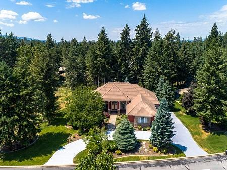 1910 E Woodstone Dr, Hayden, ID 83835 (#19-6708) :: Embrace Realty Group