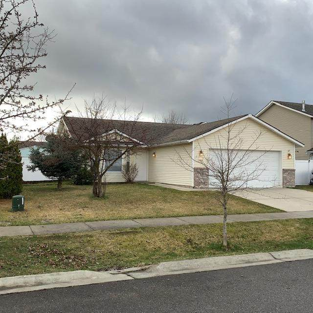 1456 W Bering Ave, Coeur d'Alene, ID 83815 (#20-2994) :: Keller Williams Realty Coeur d' Alene