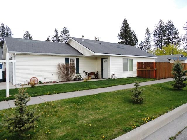 7706 N Sweet River Ct, Coeur d'Alene, ID 83815 (#18-3643) :: The Spokane Home Guy Group