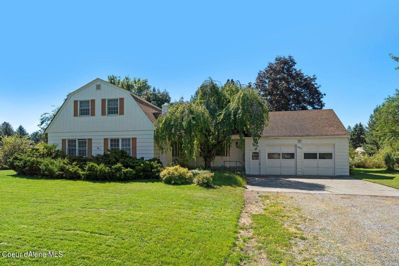 680 Orchard Ave - Photo 1