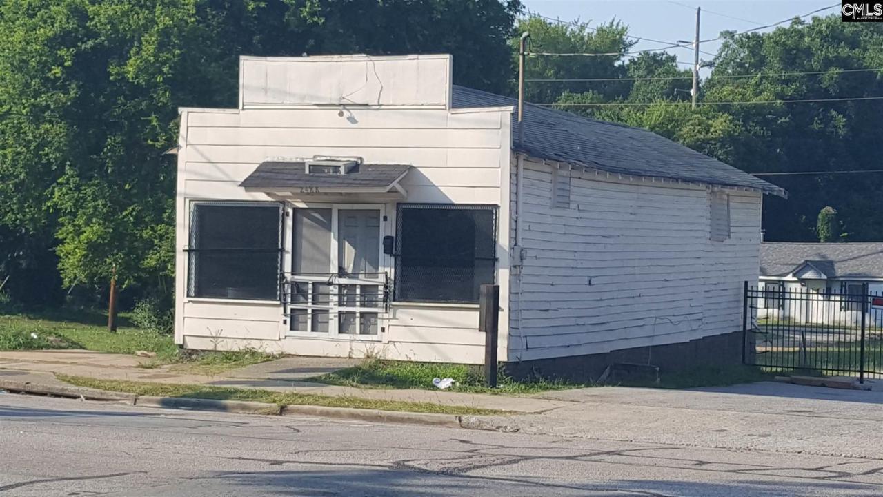 2488 Millwood Avenue - Photo 1