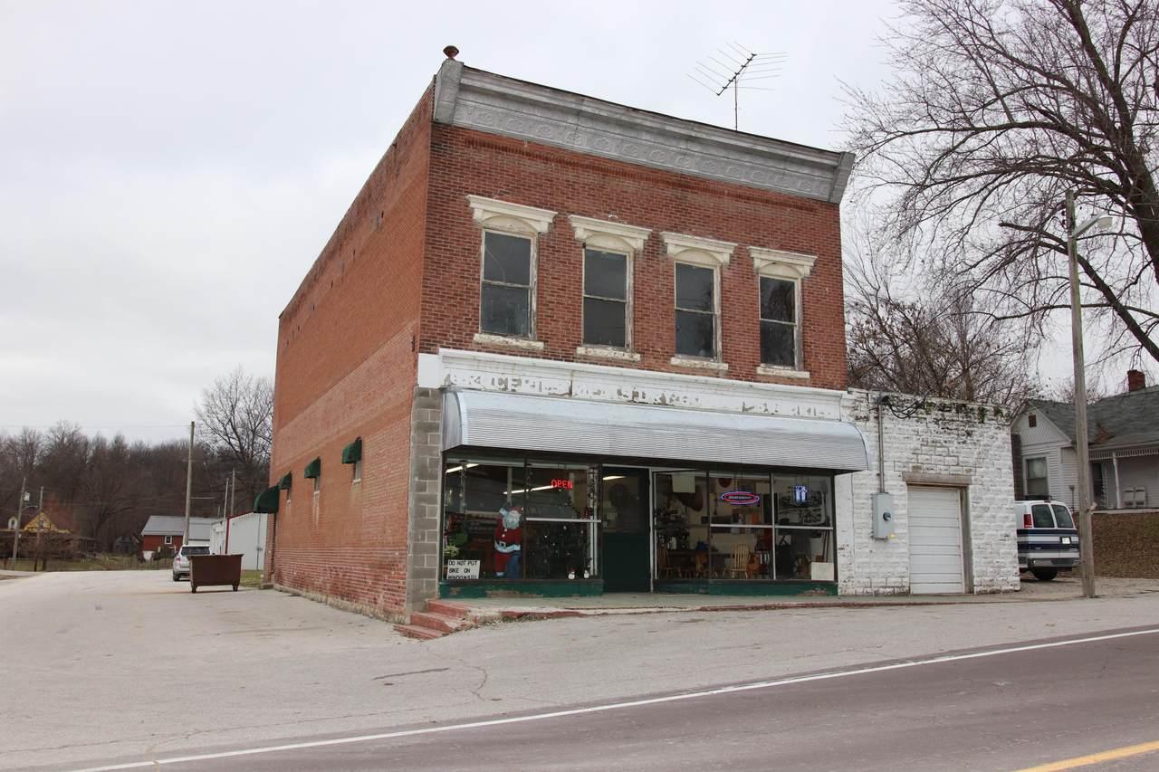 300 Fulton Ave - Photo 1