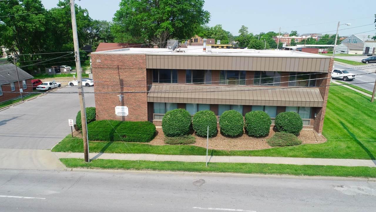 411 College Ave - Photo 1