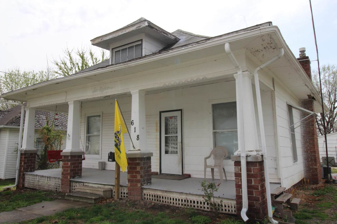 618 Franklin Ave - Photo 1