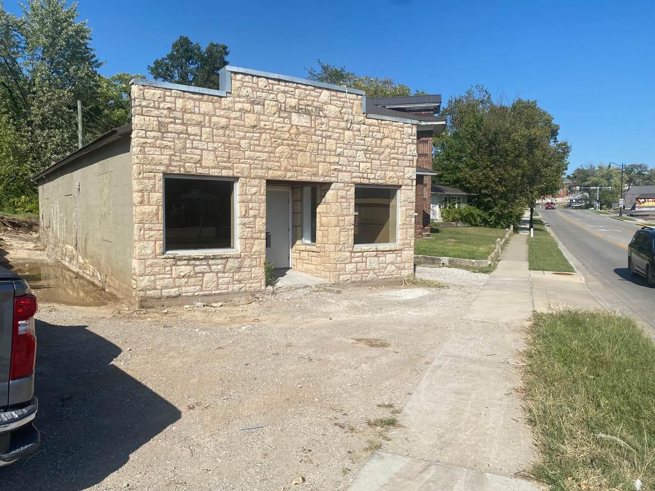 203 St Louis Ave - Photo 1