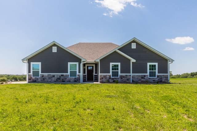 13203 N Sportsman Dr, Hallsville, MO 65255 (MLS #394132) :: Columbia Real Estate