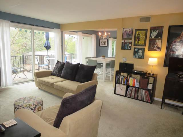 2806 Rollins Rd B8, Columbia, MO 65203 (MLS #396062) :: Columbia Real Estate