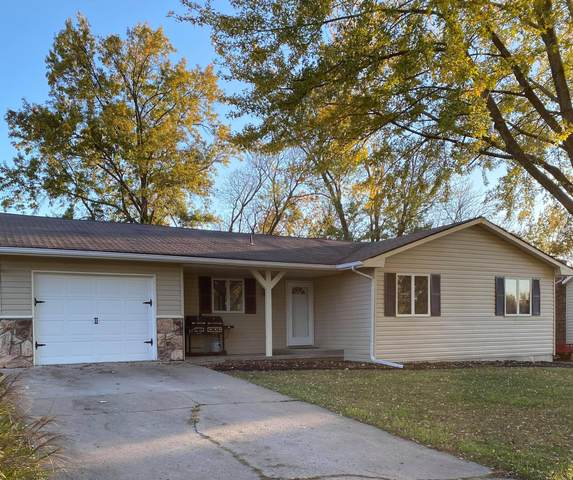 1908 Cherry St, Mexico, MO 65265 (MLS #396148) :: Columbia Real Estate