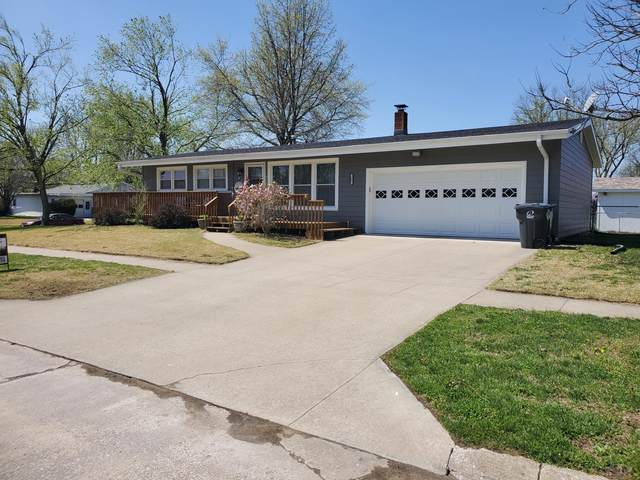 1001 S 4TH St, Moberly, MO 65270 (MLS #399015) :: Columbia Real Estate