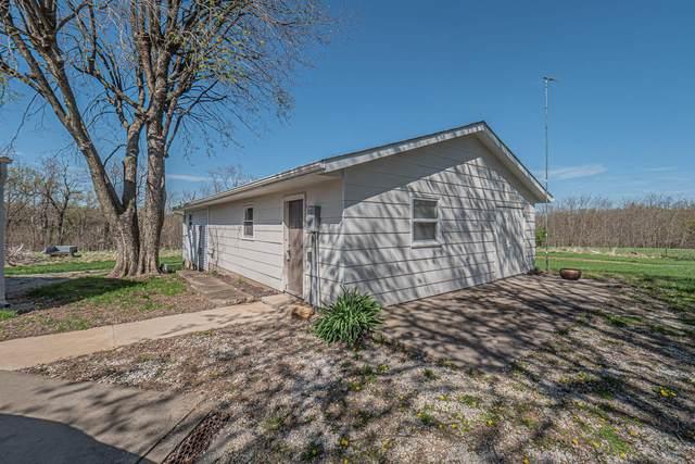 300 Maple St, HUNTSVILLE, MO 65259 (MLS #399065) :: Columbia Real Estate