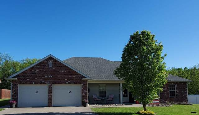 6276 Brooke Dr, Hallsville, MO 65255 (MLS #399773) :: Columbia Real Estate