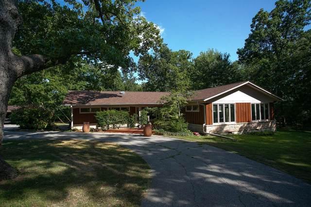 4810 E St Charles Rd, Columbia, MO 65201 (MLS #399775) :: Columbia Real Estate