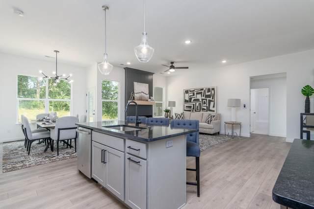 6055 W Swather Ct, Columbia, MO 65203 (MLS #401613) :: Columbia Real Estate