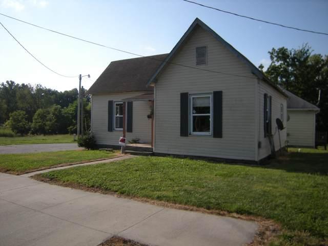 550 Roberts St, Moberly, MO 65270 (MLS #402461) :: Columbia Real Estate