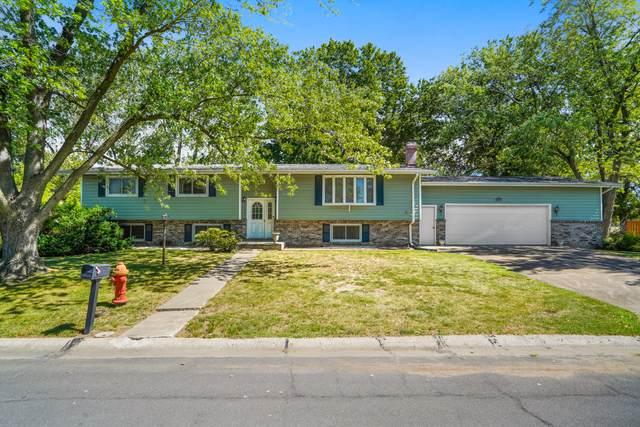 1818 Eastbrook Cir, Moberly, MO 65270 (MLS #402470) :: Columbia Real Estate