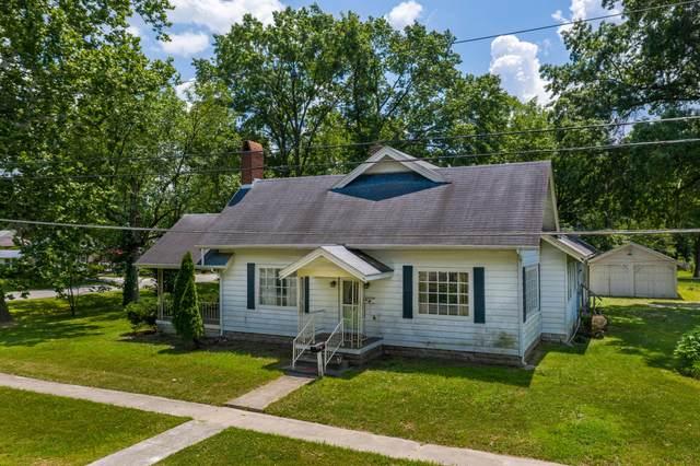 318 E Barnes St, Centralia, MO 65240 (MLS #393935) :: Columbia Real Estate