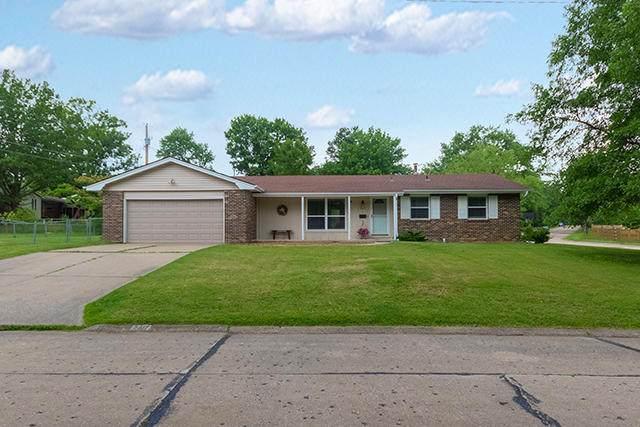 2417 Meadow Lark Ln, Columbia, MO 65201 (MLS #395518) :: Columbia Real Estate