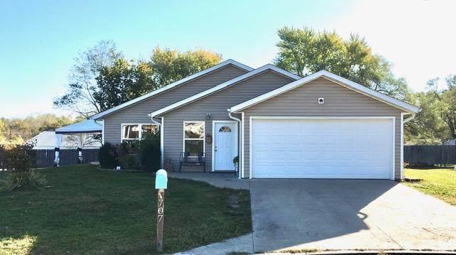 707 Woodhill Ave, Fulton, MO 65251 (MLS #396008) :: Columbia Real Estate