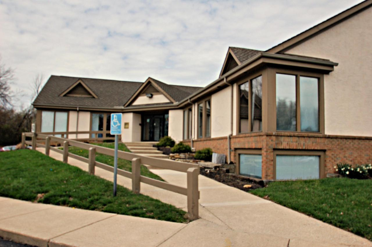 Pleasing 453 Waterbury Court Gahanna Oh 43230 Mls 219011751 Signature Real Estate Home Interior And Landscaping Dextoversignezvosmurscom