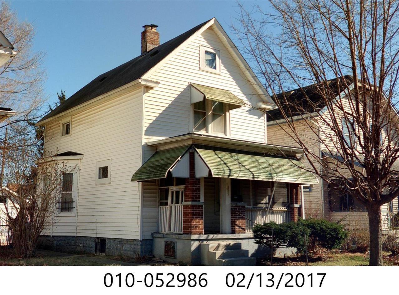 882 Miller Avenue - Photo 1