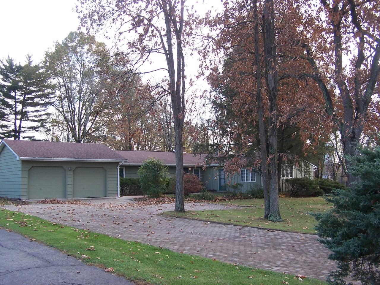 3038 Knoll Drive - Photo 1