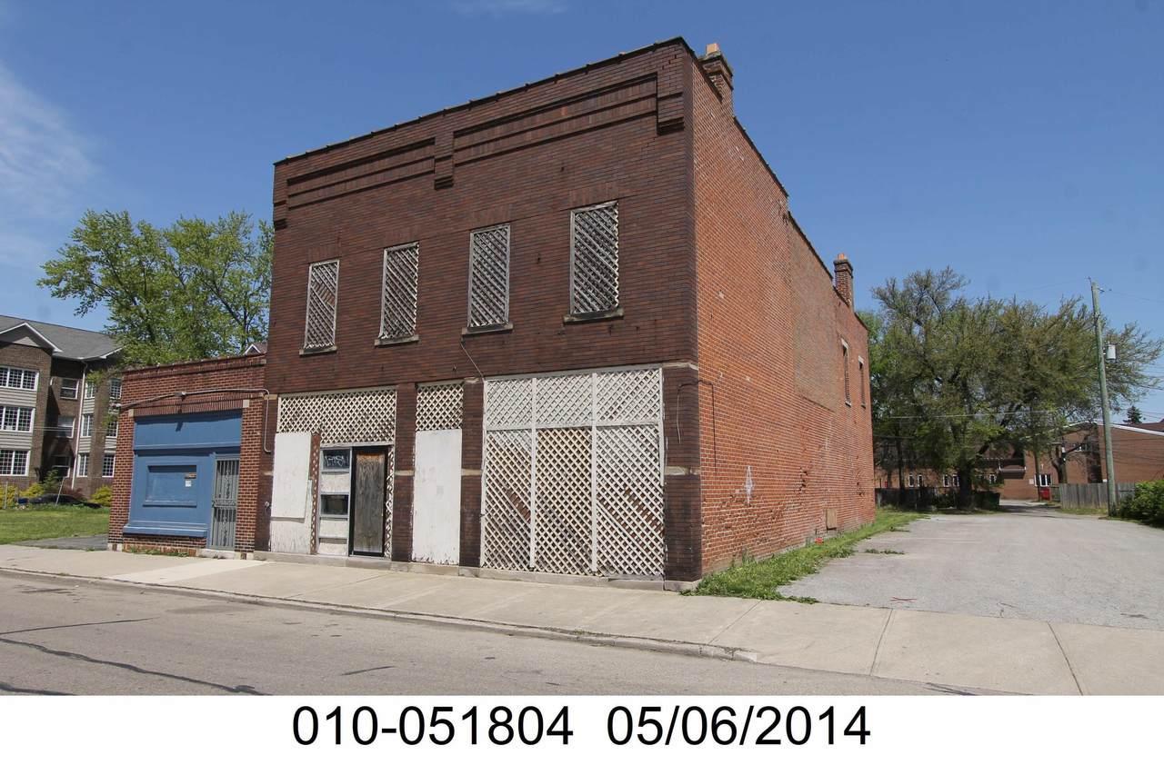 1240 Oak Street - Photo 1