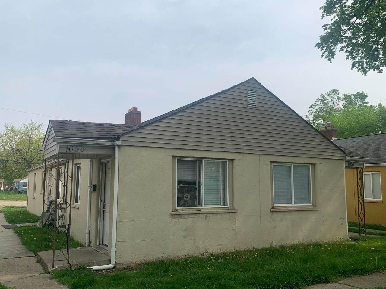 1050 Loretta Avenue - Photo 1