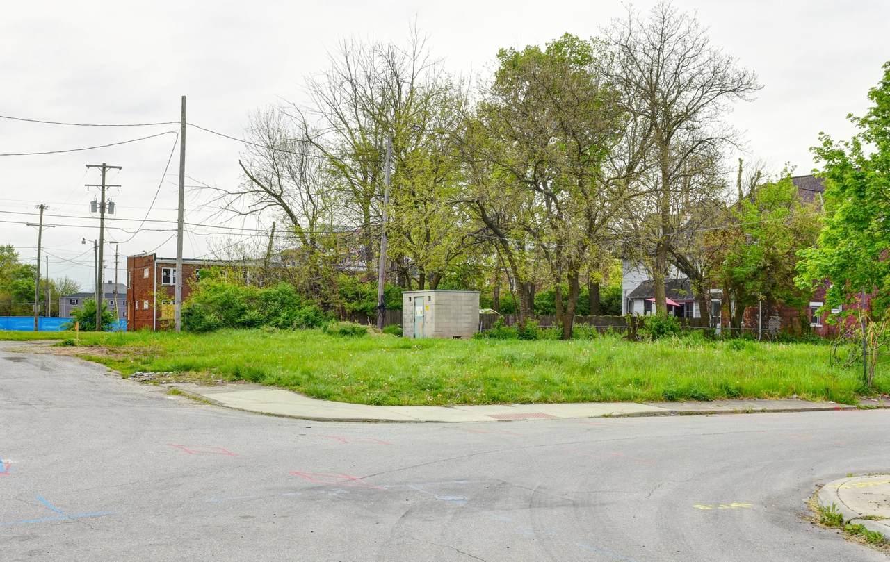 760 Mcallister Avenue - Photo 1